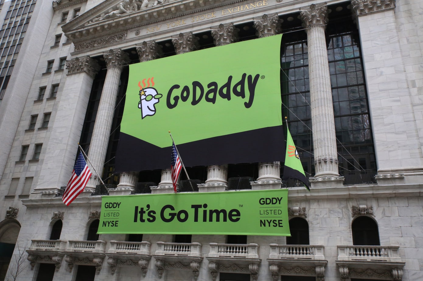 GoDaddy to move most of its infrastructure to AWS
